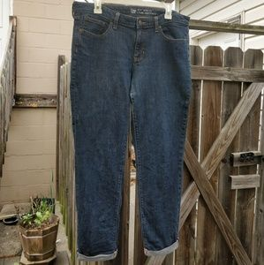 GAP boyfriend cut jeans with cuff
